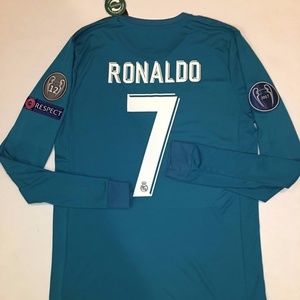 in stock 088f4 650d7 Real Madrid Cristiano Ronaldo Long Sleeve 2017/18